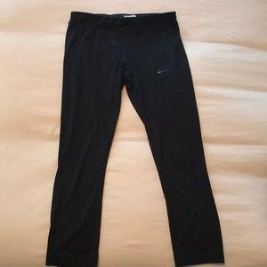 Black Nike Dri-Fit Kapris